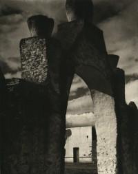 Paul Strand, Gateway, Hidalgo, 1933