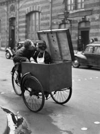 Robert Doisneau - Baiser Blotto, 1950