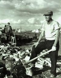 Horace Bristol - Man Chopping Wood, 1938