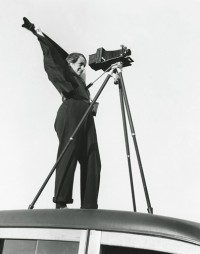 Rondal Partridge - Dorothea Lange and the Zeiss Jewell Camera, 1937