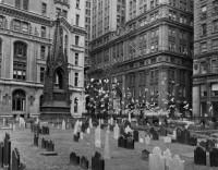 Bernice Abbott – Trinity Grave Yard, New York, 1930's
