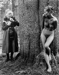 Judy Dater – Imogen and Twinka in Yosemite, 1974