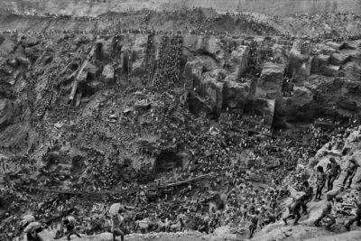 Sebastiao Salgado, Cast of Thousands in the Gold Mine of Sierra Pelada, 1986