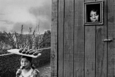 Sebastiao Salgado, The Outskirts of Guatemala City, Guatemala (Girls with Apples), 1978