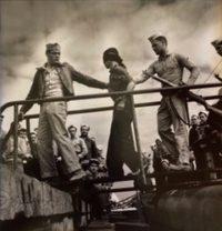 Capturing Japanese Prisoners, 1944
